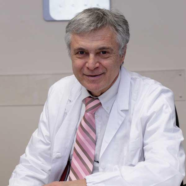 """Collabora con la divisione oculistica dell ospedale """"Carlo Poma"""" di  Mantova. Socio A.O.M.. IL Dottore è disponibile anche per visite domiciliari 7ed8e43a77"""